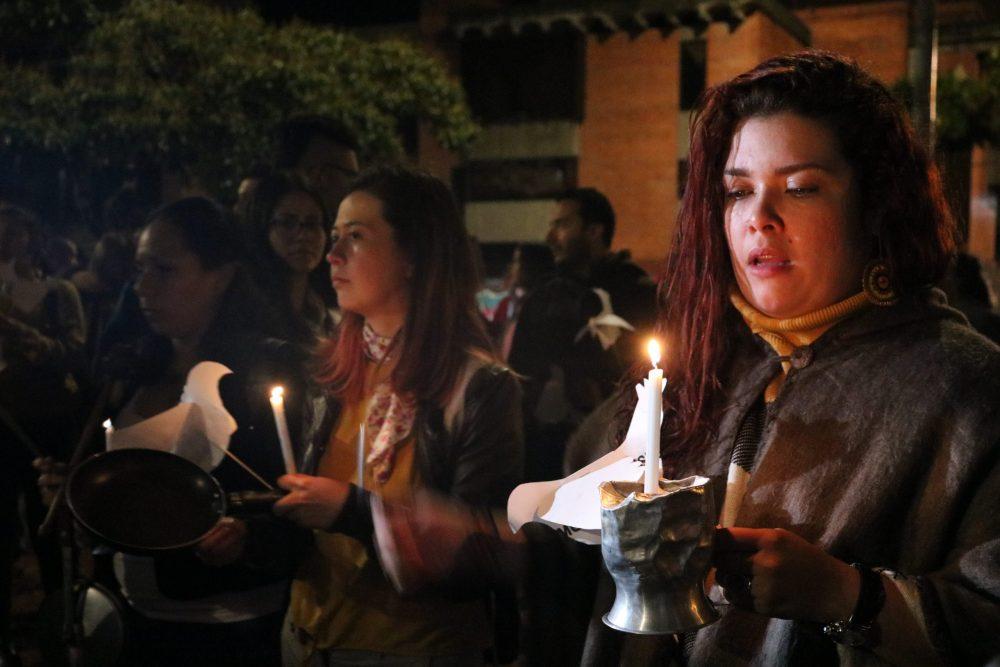rosotros scaled e1582901551952 Cantos, cacerolas, luces y oraciones resonaron por la vida y contra las muertes de integrantes de FARC